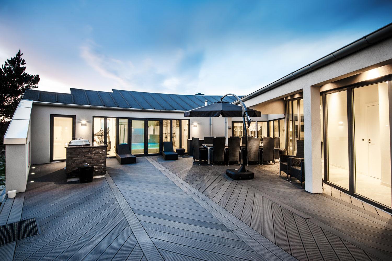 luksus sommerhus i bl vand udlejes fitness wellness pool spa. Black Bedroom Furniture Sets. Home Design Ideas
